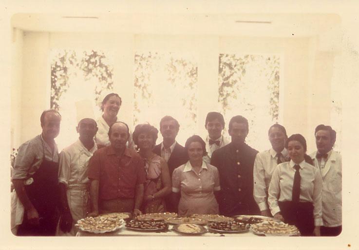 Lo staff dell'albergo nel 1969